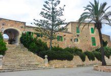 Das Heiligtum von Monti-Sion liegt auf der Balearen-Insel Mallorca etwa 3km außerhalb von Porreres, Spanien - © Lila Pharao / franks-travelbox