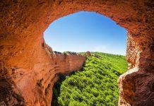 Das historische Bergwerk Las Médulas erstreckte sich über eine Fläche von über 10 Quadratkilometern mit Tunneln von ca. 100 Kilometer Länge, Spanien - © Marques / Shutterstock