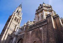 Die Kathedrale von Toledo besteht aus insgesamt fünf Schiffen, Spanien - © Yvann K / Fotolia