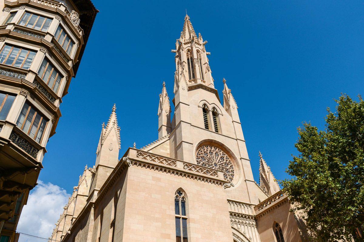 Die anmutige Església Santa Eulàlia ist eines der ältesten Gotteshäuser von Palma de Mallorca, Spanien - © James Camel / franks-travelbox