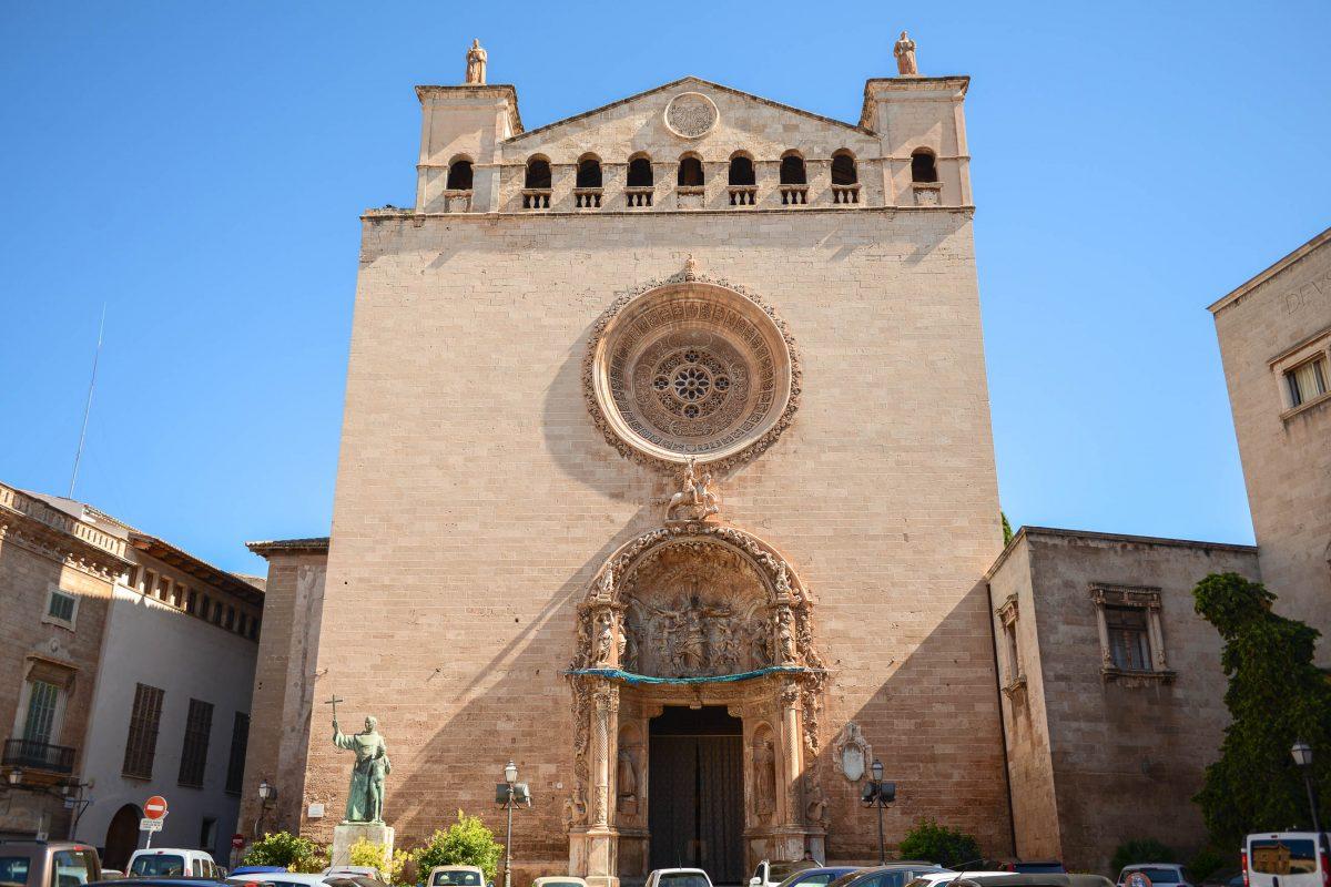 Neben der Kathedrale La Seu ist die beeindruckende Basilica Sant Francesc in Palma die wichtigste Kirche Mallorcas, Spanien - © James Camel / franks-travelbox