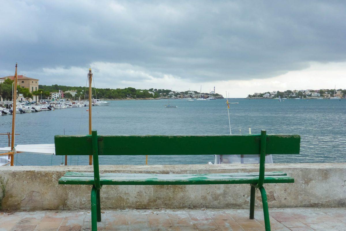 Wer an der gemütlichen Hafenpromenade von Porto Colom entlang flaniert, entdeckt eine Vielzahl an Booten in allen Größen und Preisklassen - © Lila Pharao / franks-travelbox