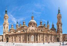 Die Basilika del Pilar ist eine der beiden Hauptkathedralen von Saragossa und die am zweithäufigsten besuchte Pilgerstätte nach der Kathedrale in Santiago de Compostela, Spanien - © Konstantin Yolshin/Shutterstock