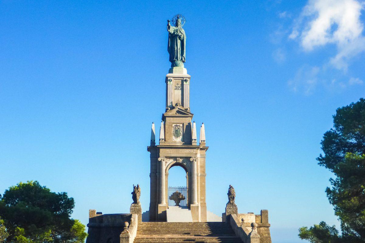 Unter den vielen Klöstern und Einsiedeleien auf Mallorca zählt Sant Salvador eindeutig zu den eindrucksvollsten, Spanien - © Lila Pharao / franks-travelbox