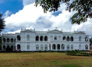 Das Nationalmuseum in Colombo ist das größte Museum von Sri Lanka und befindet sich in einem palastähnlichen Bau im italienischen Stil - © Hasindu2008 CC BY-SA3.0/Wiki
