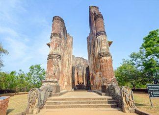 In der antiken Königsstadt Polonnaruwa wurde einst die allerheiligste Zahnreliquie des Buddha aufbewahrt, Sri Lanka - © suronin / Shutterstock