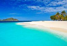 Traumstrand auf der winzigen Insel Palm Beach in St. Vincent und die Grenadinen - © PawelKazmierczak/Shutterstock