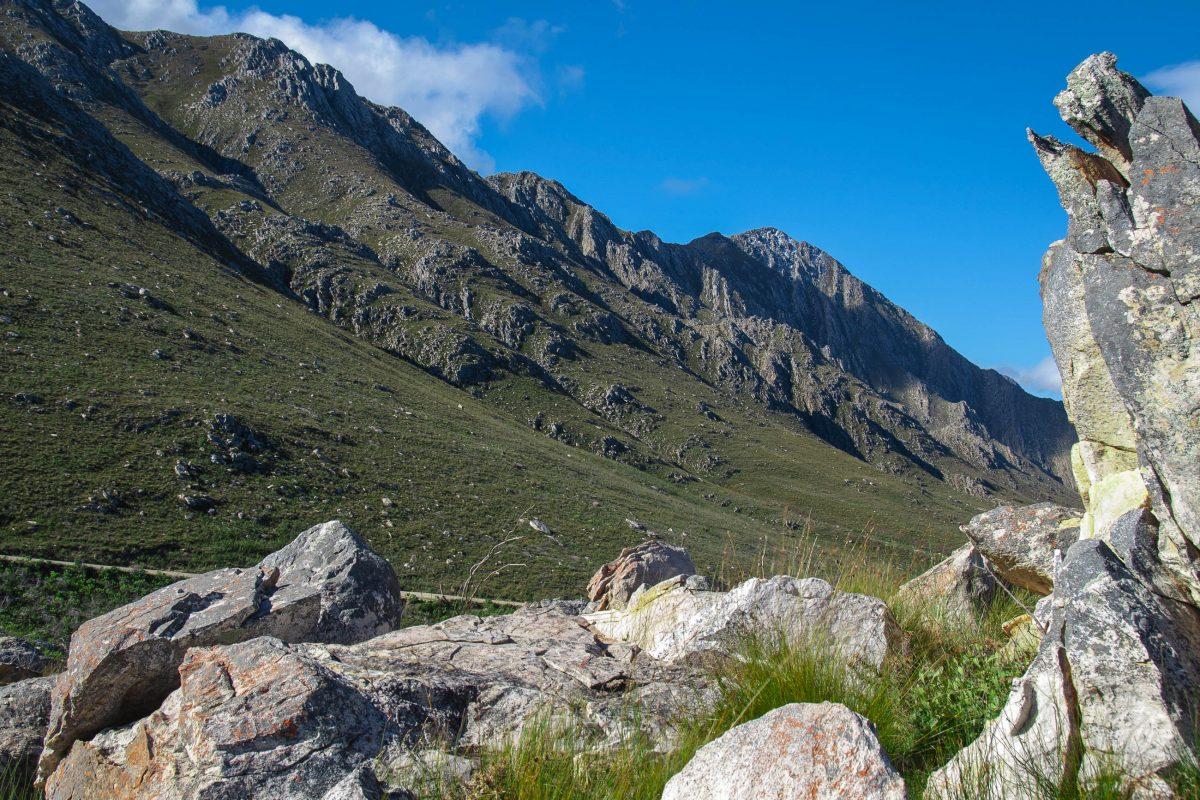 Der Vredefort-Krater in Südafrika ist der größte Meteoriten-Einschlgskrater der Welt - © Dominique de LaCroix/Shutterstock