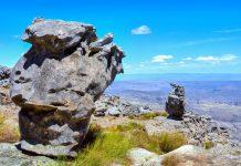 Faszinierende Felsformationen um den Gipfel des Krakadouw in der Cederberg Wilderness Areain der Cape Floral Region in Südafrika - © PhotoSky / Shutterstock