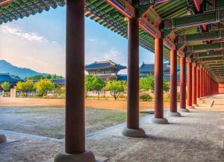 Im 19. Jahrhundert bestand der Palast Gyeongbokgung aus einem regelrechten Labyrinth aus Mauern, Plätzen und Gassen mit 330 Gebäuden und fast 6.000 Zimmern, Südkorea - © Vincent St. Thomas / Shutterstock