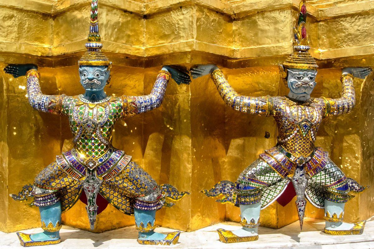 Überall im Königspalast in Bangkok sind Statuen, Figuren und Abbildungen von mythischen Wesen zu sehen, Thailand - © flog / franks-travelbox