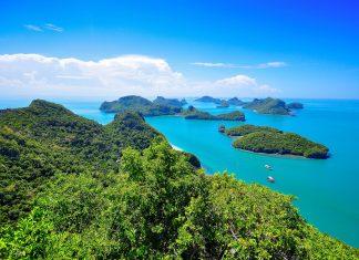 Der Ao Phang Nga Nationalpark befindet sich im Süden Thailands nördlich der Touristendestination Phuket und zählt zu den schönsten Landschaften Thailands - © Pavinee Chareonpanich/Shuttersto