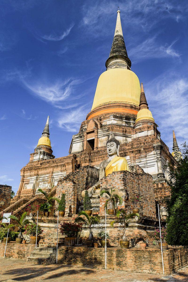 Der Wat Yai Chai Mongkon wurde Anfang des 17. Jahrhunderts fertiggestellt und zählt zu den ältesten erhaltenen Tempeln von Ayutthaya, Thailand - © Isaxar / Fotolia