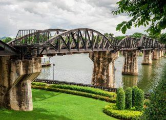 """Die Eisenbahnbrücke über den thailändischen Fluss Kwai (Film: """"Die Brücke am Kwai"""")  verbindet die burmesische Stadt Java mit der thailändischen Stadt Kanchanaburi - © thongsee / Fotolia"""