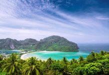 Die Phi Phi Inseln bestehen aus sechs Atollen, die wohl zu den schönsten Inseln der Welt gehören, Thailand - © efired / Fotolia