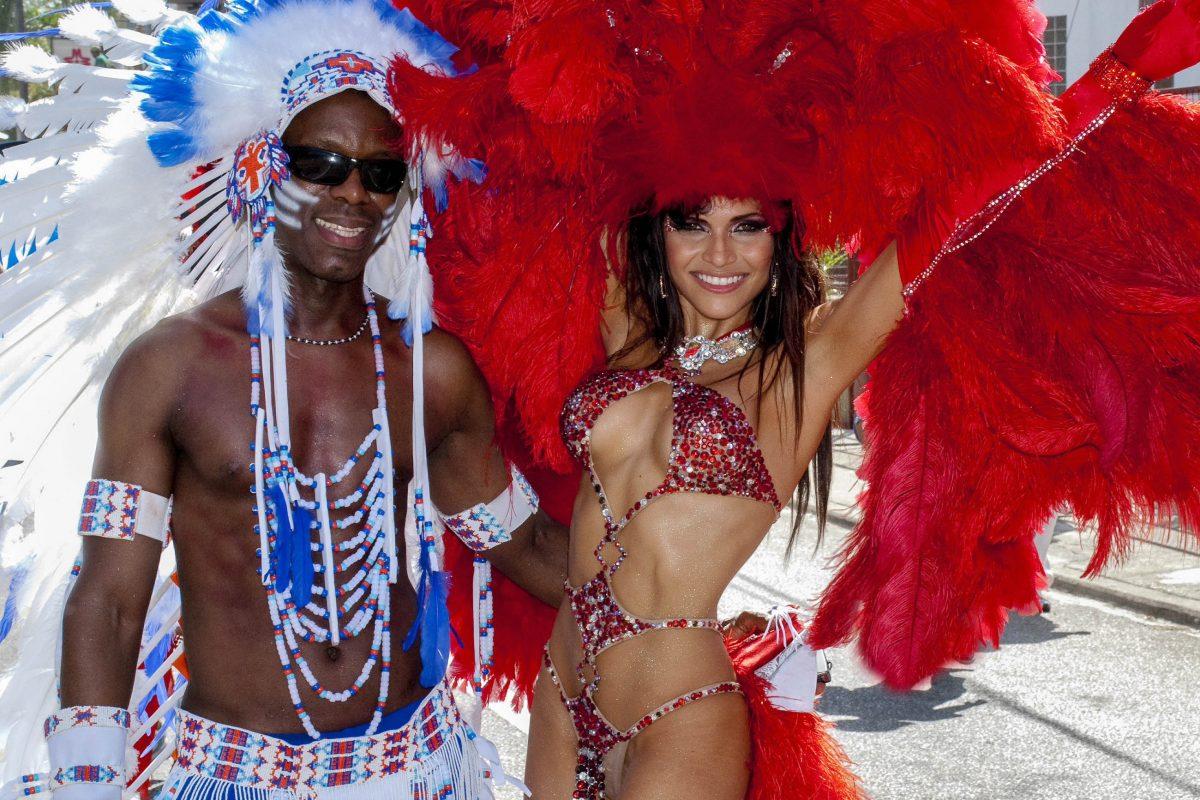 Am Faschingssonntag werden beim Karneval von Trinidad und Tobago Karnevals-King und Karenvals-Queen gekürt - © John de la Bastide / Shutterstock
