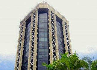 Die 92m hohen Twin Towers des Eric Williams Plaza sind in Trinidad und Tobago sind die höchsten der englischsprachigen Karibik - © ChrisFitzpatrick CC BY-SA3.0/Wiki