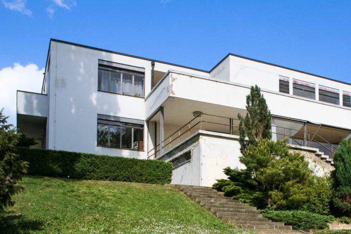 Die Villa Tugendhat in Brünn, Tschechien, ist das berühmteste Bauwerk der Moderne - © Daniel Fišer CC BY-SA3.0/Wiki
