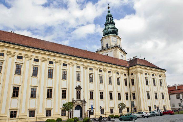 Das Schloss von Kroměříž wurde ursprünglich als Renaissance-Schloss von Kroměříž im 16. Jahrhundert unter Bischof Stanislaus Thurzo anstelle einer Burg errichtet, Tschechien - © Jan Krcmar / Fotolia