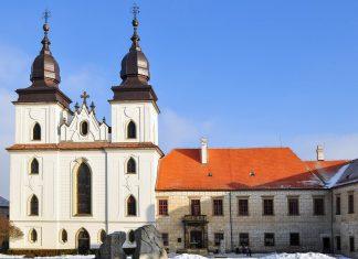 Die Basilika des Heiligen Prokop in der Stadt Třebíč ist der einzige Bau, der von dem Maria-Himmelfahrts-Kloster aus dem 12. Jahrhundert erhalten geblieben ist, Tschechien - © Karel Gallas / Shutterstock
