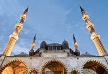 Der Meisterarchitekt Sinan leitete den Bau der Selimiye-Moschee in Edirne noch im hohen Alter von 80 Jahren und bezeichnete sie selbst als sein Meisterwerk, Türkei - © Ali Serkan Kandur / Shutterstock