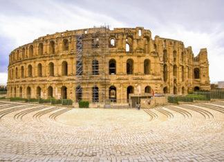 Das antike Amphitheater von El Jem in Tunesien ist das größte römische Monument Nordafrikas - © Vaughan Sam / Shutterstock