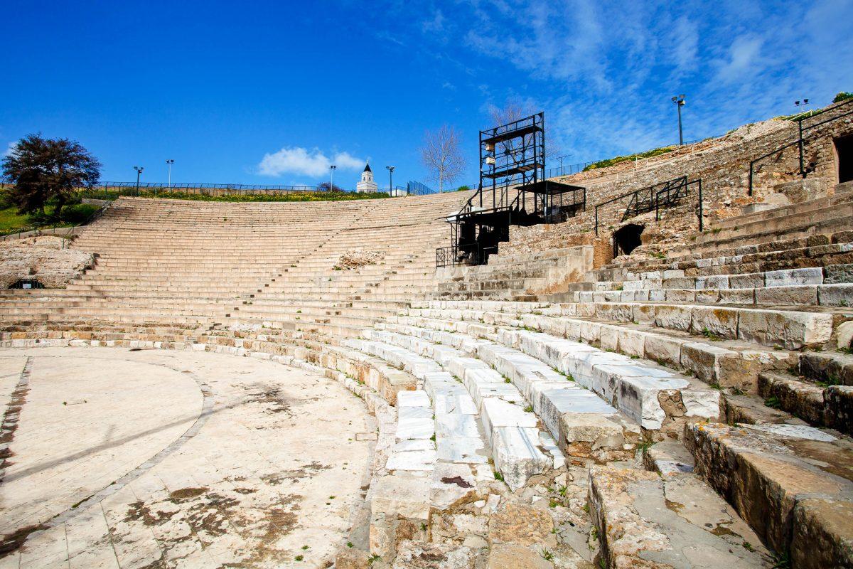 Das gewaltige Amphitheater in Karthago war nach jenem in El Jem das größte Amphitheater Afrikas, Tunesien - © amidala76 / Shutterstock