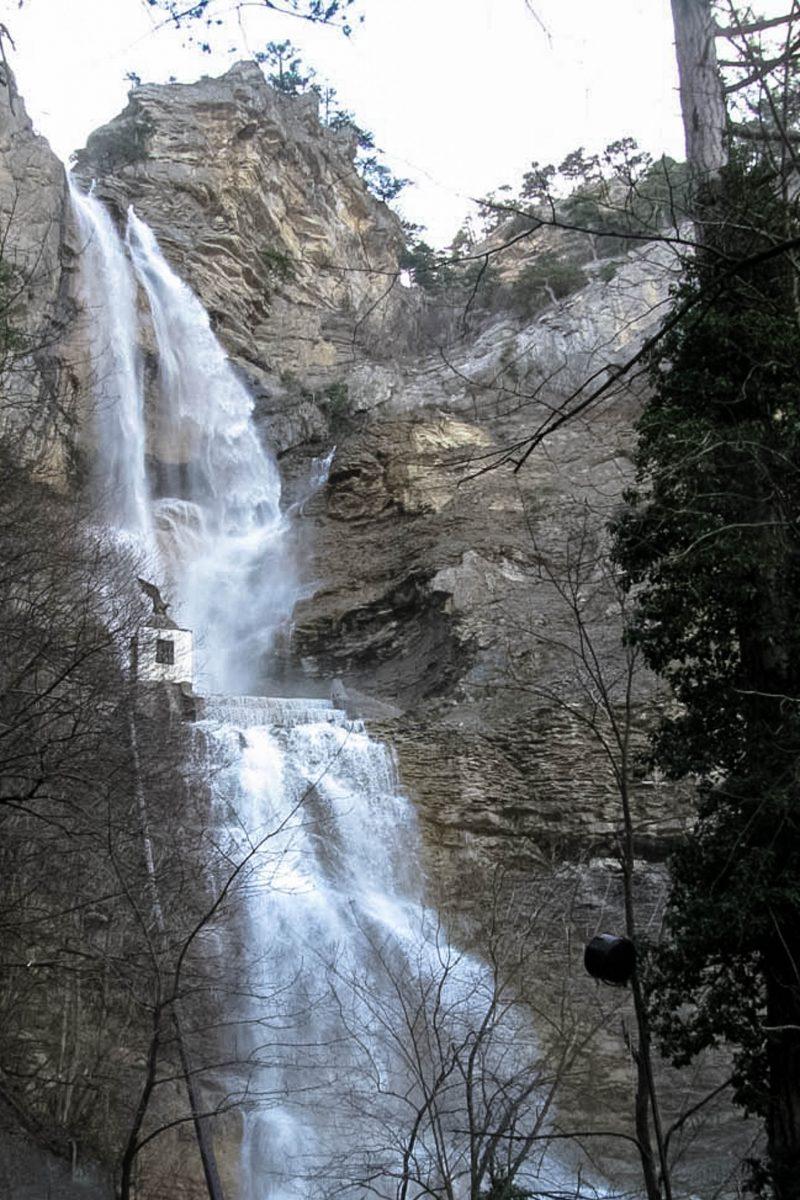 Der Utschan-Su-Wasserfall in der Nähe von Jalta im Süden der Halbinsel Krim gehört zu den höchsten Wasserfällen der Ukraine - © Amaga PD / Wiki