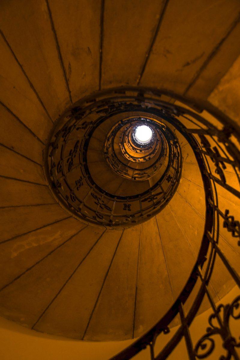 Beim Besuch der St. Stephans Basilika darf der Aufstieg auf die Balustrade der imposanten Kuppel über 297 Treppenstufen nicht fehlen, Ungarn - © James Camel / franks-travelbox