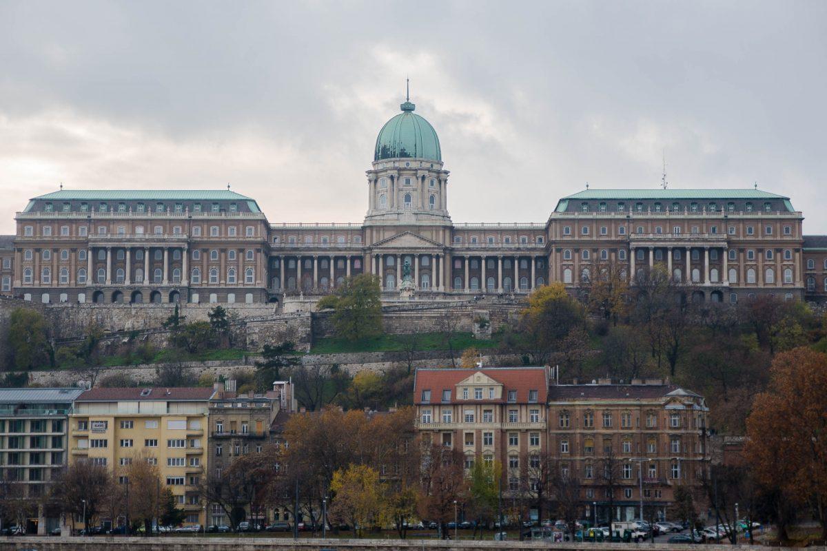 Der Burgpalast war lange Jahr der Sitz der ungarischen Könige und zählt heute zu den wichtigsten Sehenswürdigkeiten von Budapest, Ungarn - © James Camel / franks-travelbox