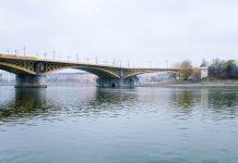 Die Margaretenbrücke wurde als zweite der neun Brücken errichtet, die in der ungarischen Hauptstadt die beiden Stadtteile Buda und Pest verbinden, Ungarn - © James Camel / franks-travelbox