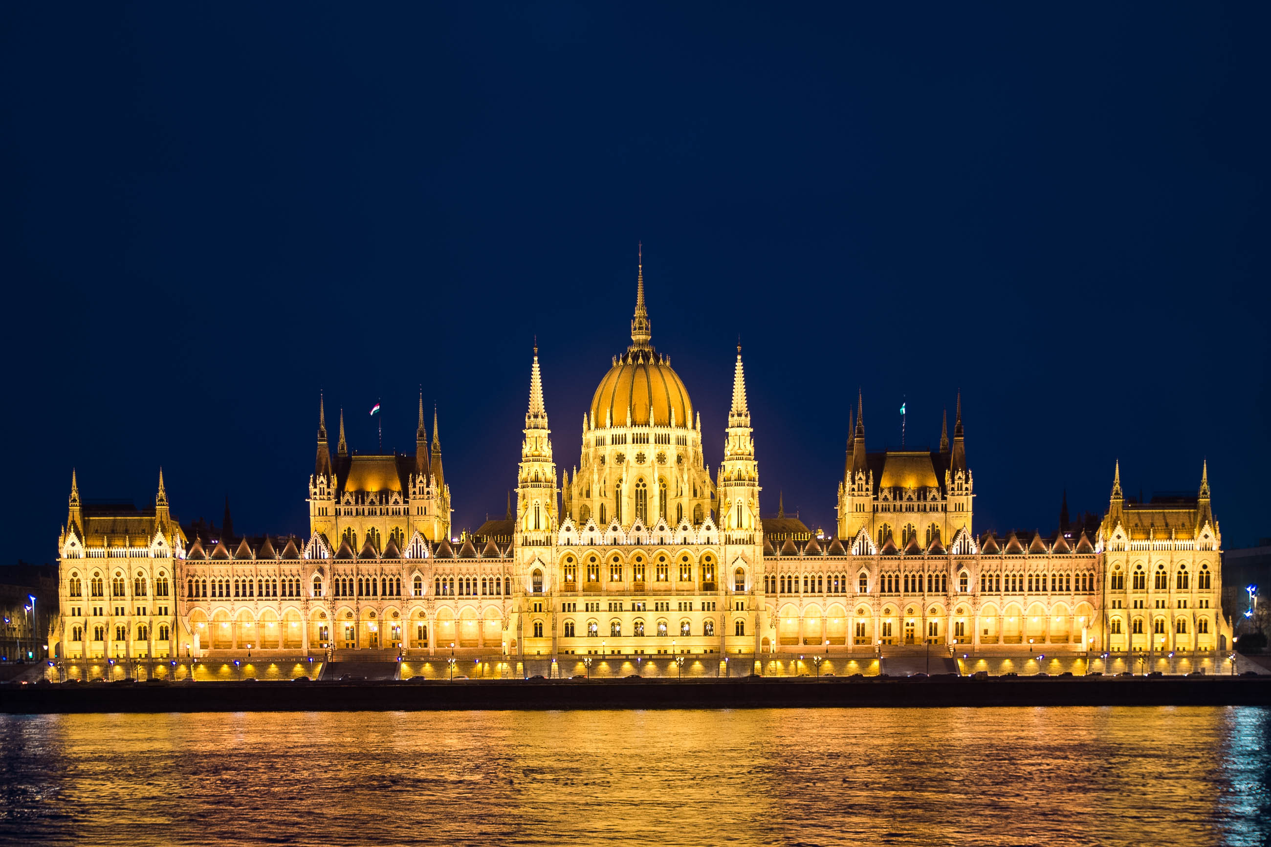parlament in budapest ungarn franks travelbox. Black Bedroom Furniture Sets. Home Design Ideas