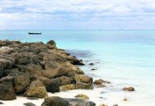 Strand im Lucayan Nationalpark auf der karibischen Insel Grand Bahama Island, Bahamas - © tommarthat / Fotolia
