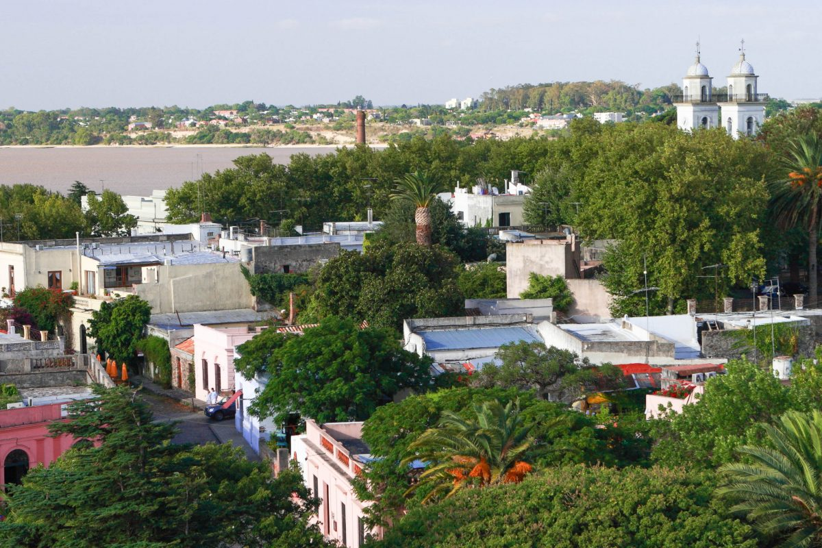Blick auf Barrio Histórico, das historische Viertel von Colonia del Sacramento, Uruguay - © gary yim / Shutterstock