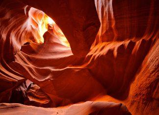 Antelope Canyon, Arizona, USA - © Karen Grigoryan / Fotolia