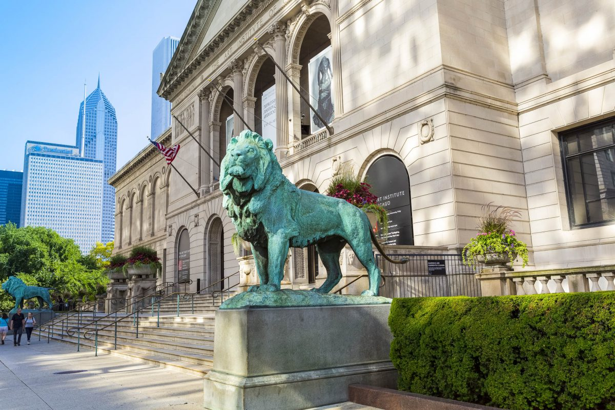 Das Art Institute of Chicago im Grant Park enthält eine der großartigsten Kunstsammlungen der Welt, USA - © MaxyM / Shutterstock