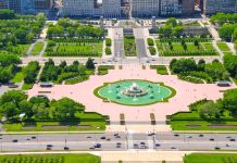 Der Grant Park ist der größte Park der Stadt Chicago und hält neben idyllischem Raum zum Flanieren noch das Art Institute of Chicago und den berühmten Buckingham Fountain bereit - © Richard Cavalleri / Shutterstock