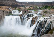 """Die Shoshone Falls in Idaho, USA, nahe der Stadt Twin Falls werden oft als """"Niagara des Westens"""" bezeichnet - © James Camel / franks-travelbox"""