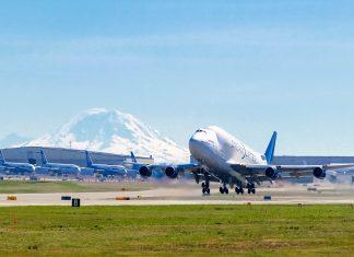 Die Boeing-Flugzeuge können im Zuge einer beeindruckenden Führung durch die Boeing-Werke in Everett, USA bei ihrer Entstehung besichtigt werden - © Paul Fell / Shutterstock