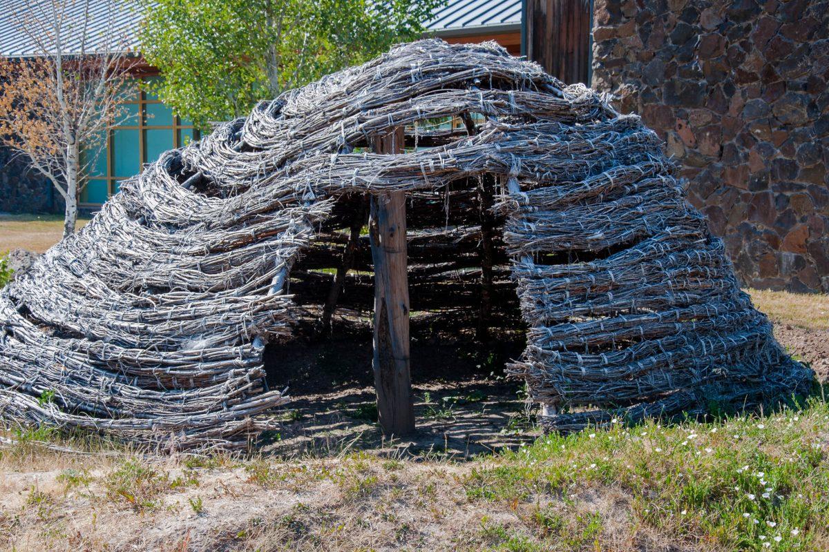 Im Tamastslikt Cultural Institute erfährt man viel über die damalige Lebensweise der Indianerstämme im totalen Einklang mit der Natur, Oregon, USA - © James Camel / franks-travelbox