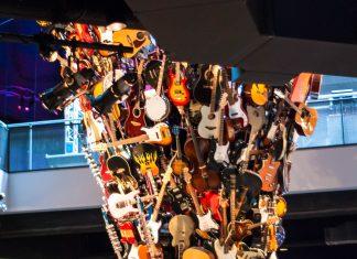 Das im Jahr 2000 erbaute Experience Music Project beherbergt ein Museum zu den Themen Pop und Rock Musik sowie Multimedia und Kino, Seattle, USA - © James Camel / franks-travelbox