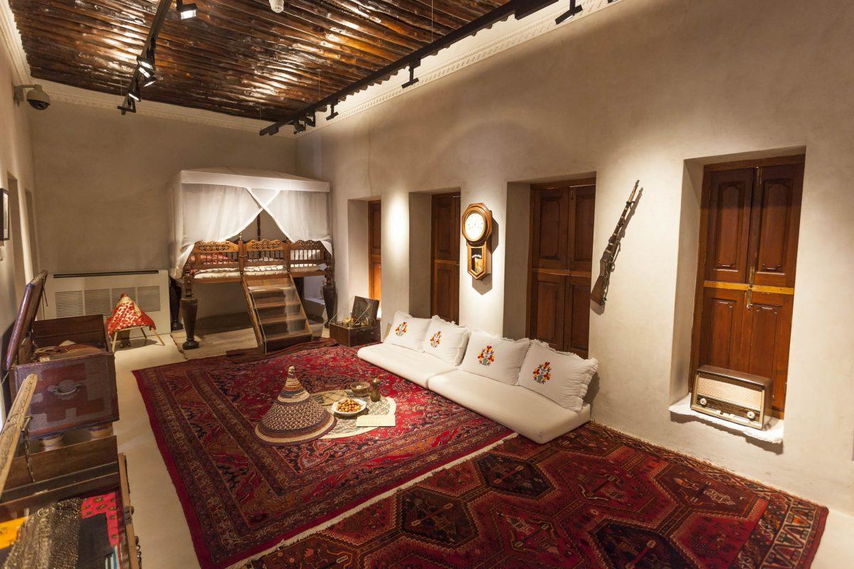 1997 wurde die Festung von Sharjah als Museum wieder eröffnet, VAE - © Philip Lange / Shutterstock