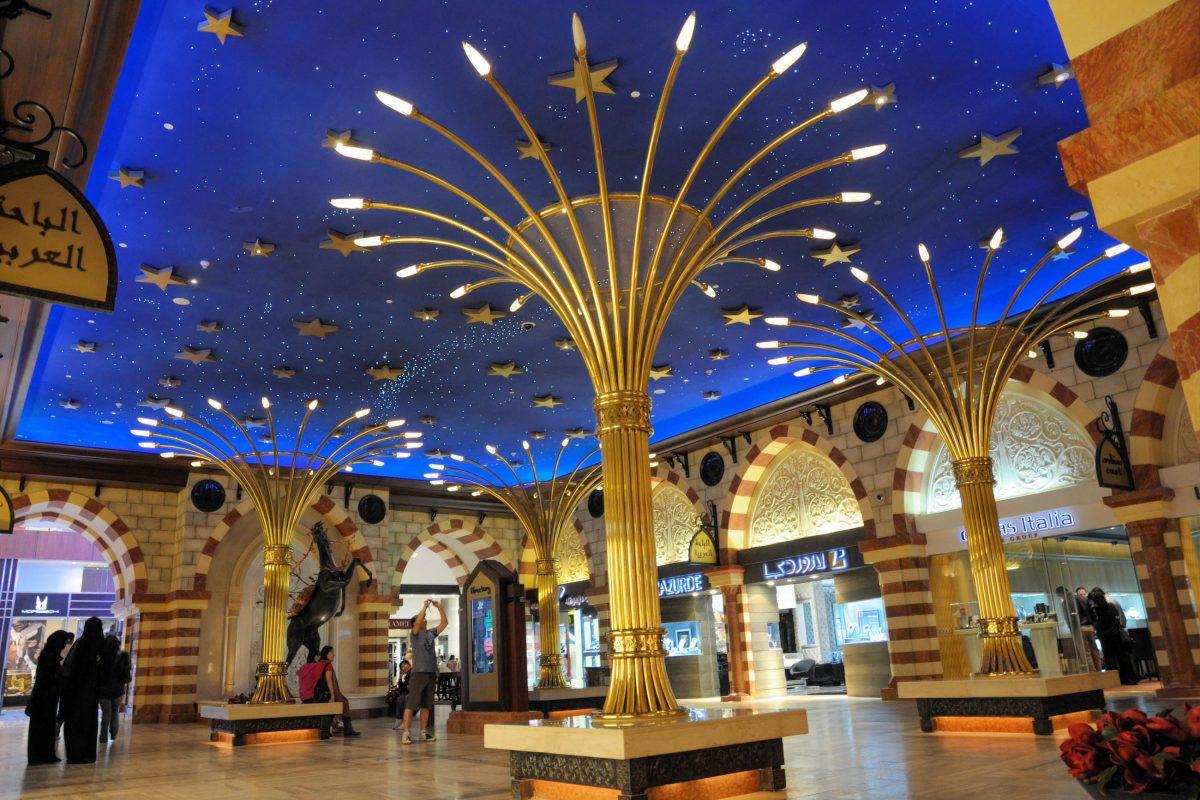 Einer der eindrucksvollsten Märkte von Dubai ist mit Sicherheit der Gold-Souq im Stadtteil Deira am Dubai Creek, VAE - © Philip Lange / Shutterstock