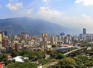 Blick über die Sykline von Caracas, der Hauptstadt von Venezuela - © testing / Shutterstock