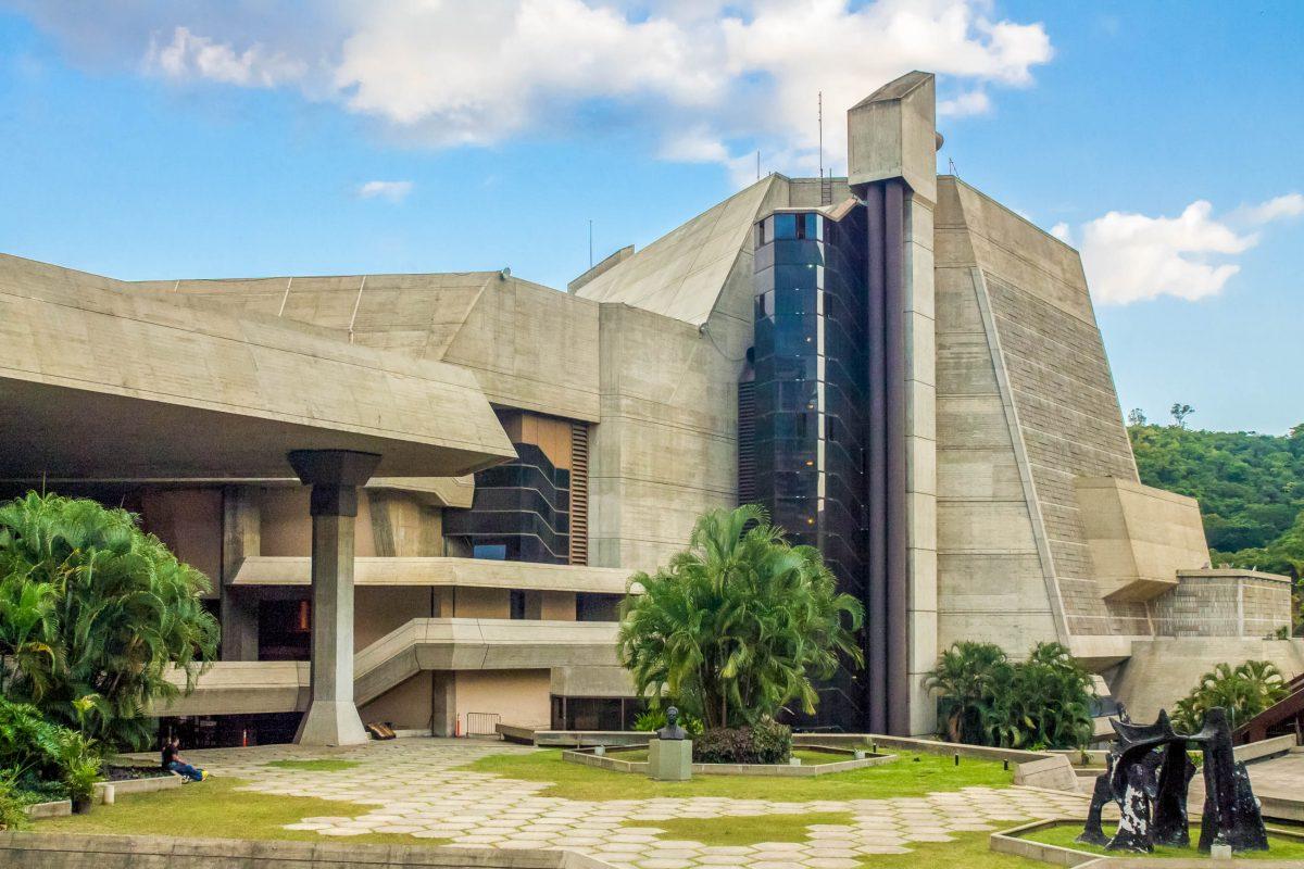 Das Teatro Teresa in Caracas verfügt über seinen eigenen Opernchor und ein Ballett-Ensemble und ist Heimat des Philharmoniker-Orchesters von Venezuela - © José Gregorio Ferrer CC BY SA3.0/W
