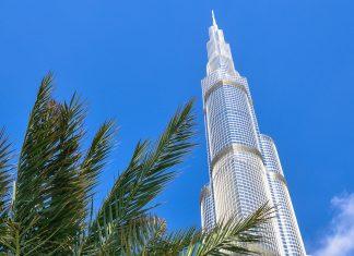 Der Burj Khalifa beherbergt auf das weltweit erste Armani-Hotel, Büroräumlichkeite, Suiten und 124. Stock eine Aussichtsplattform, Dubai, VAE - © FRASHO / franks-travelbox