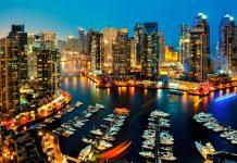 Die Dubai Marina südöstlich des Stadtzentrums ist eine imposante Komposition aus künstlicher Wasserstraße, schnittigen Yachten und monumentalen Bauten, VAE - © Naufal MQ / Shutterstock
