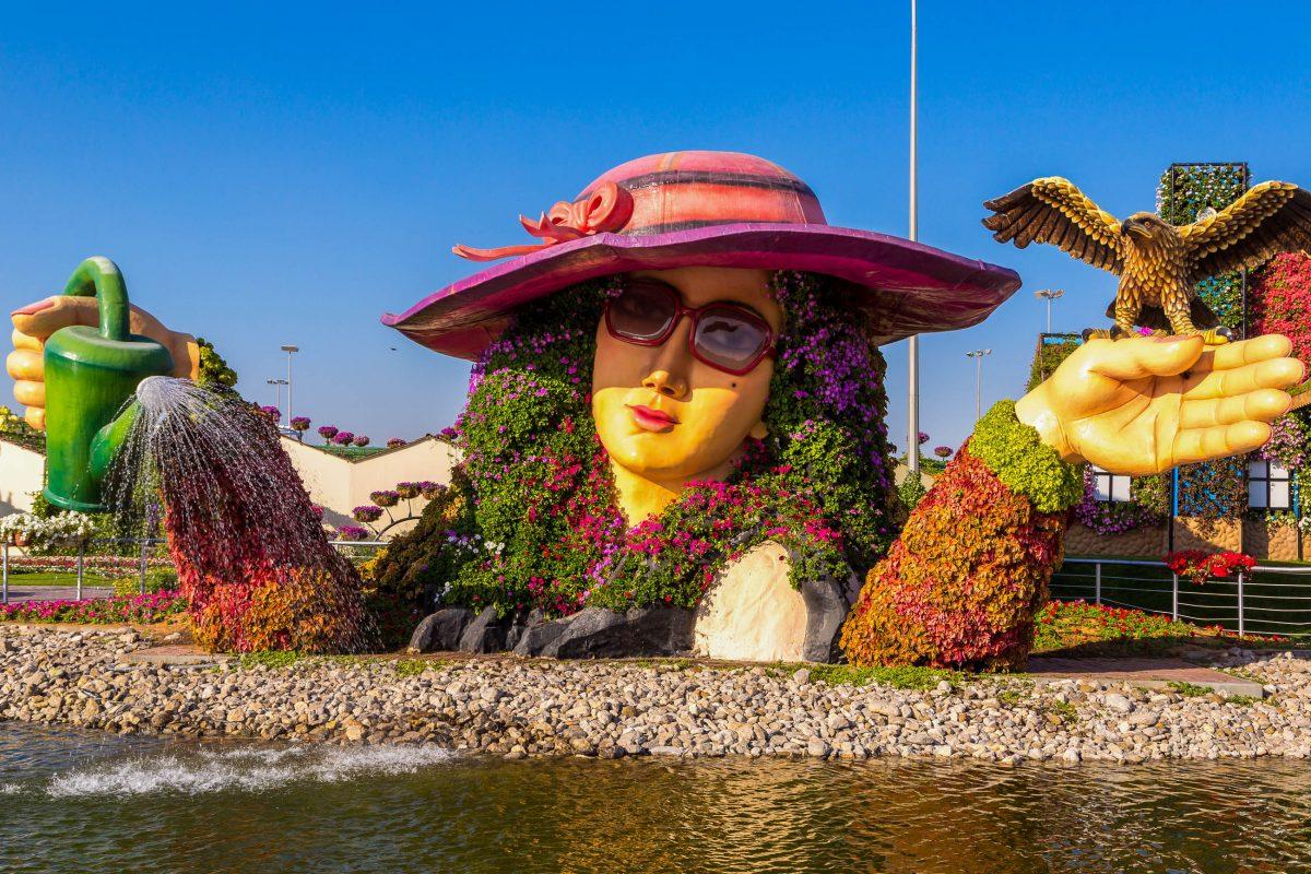 Passend zum Thema wurden die Miracle Gardens in Dubai, VAE, am 14. Februar 2013, zum Valentinstag, eröffnet - © S-F / Shutterstock