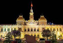 Das Rathaus von Ho Chih Minh City, besser bekannt unter dem Namen Saigon bei Nacht, Vietnam - © ko.yo / Fotolia