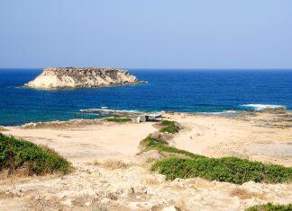 Die Halbinsel Akamas ist eine idyllische Landspitze im Nordwesten Zyperns und bietet atemberaubende einsame Natur - © windu / Fotolia